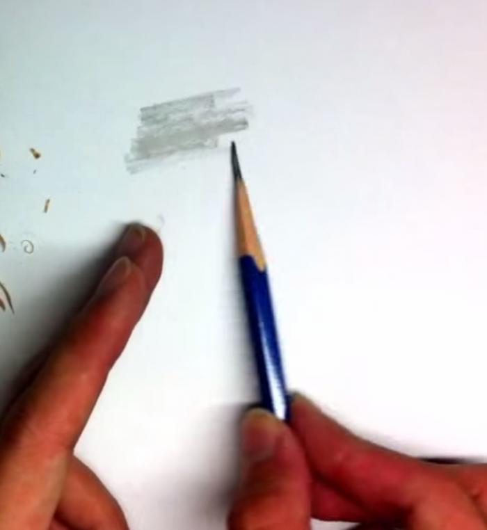 鉛筆の先端を整える