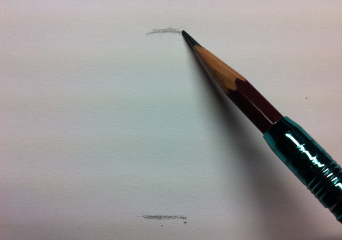 図り棒などで長さを図りつつ、球の直径となりうる箇所にアタリを付ける。